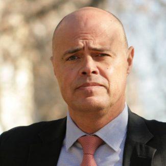 Luis-Cardona